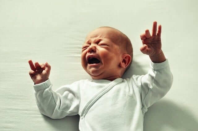 כאבי בטן (גזים או קוליק) בתינוקות